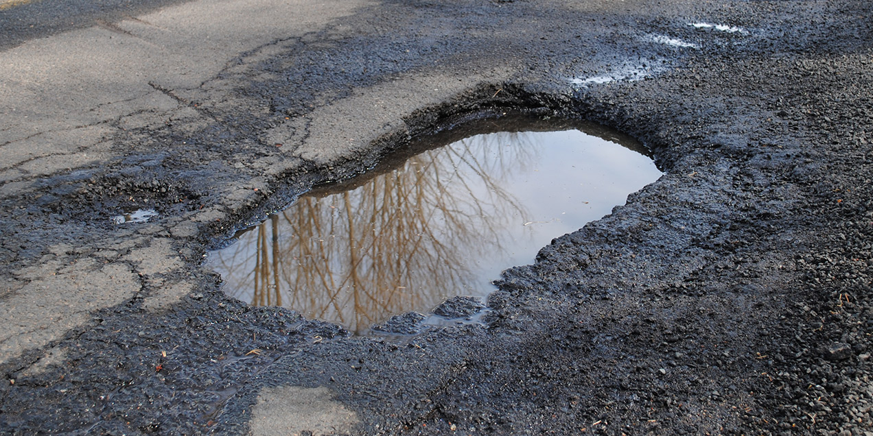 How are Potholes formed?